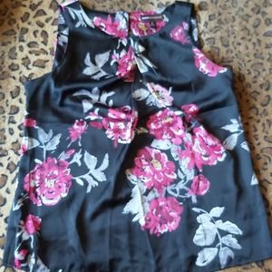 2/$20 Sleeveless Floral Blouse